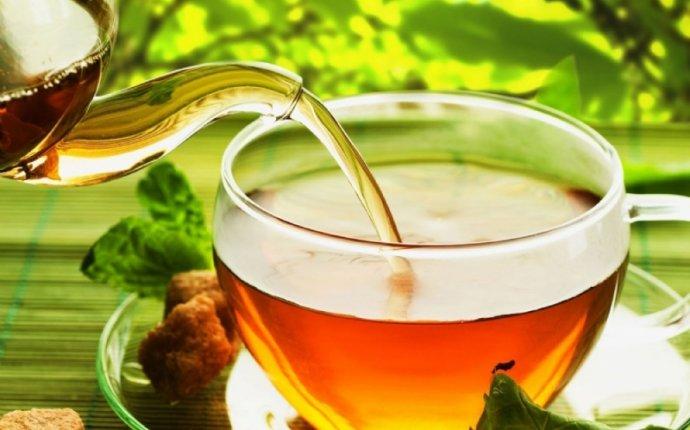 Можно ли зеленый чай при грудном вскармливании: с молоком, мятой
