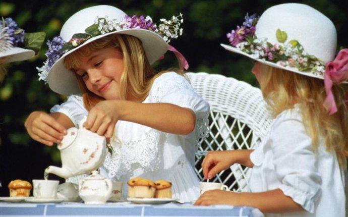 Сколько калорий в чае с сахаром (с 1-2 ложками сахара) | Kkal.ru